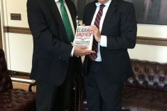 Con Luis Almagro en presentación del libro El Gran Saqueo (Washington)