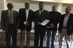 Con el grupo de constituyentes redactores de la Constitución exigiendo la realización de elecciones libres, democrticas y con todas las garant¡as, en sede de la UCAB (2016)