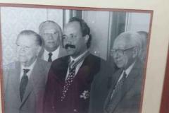 Con-los-ex-presidentes-Ramón-J.-Velásquez-y-Rafael-Caldera-recibiendo-la-Condecoración-Orden-Libertador-1995