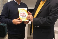 Junto a Henry Jim'nez, en dilogo sobre el libro Venezuela Energetica de Leopoldo López y Gustavo Baquero